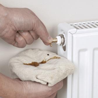 abbassare pressione termosifoni
